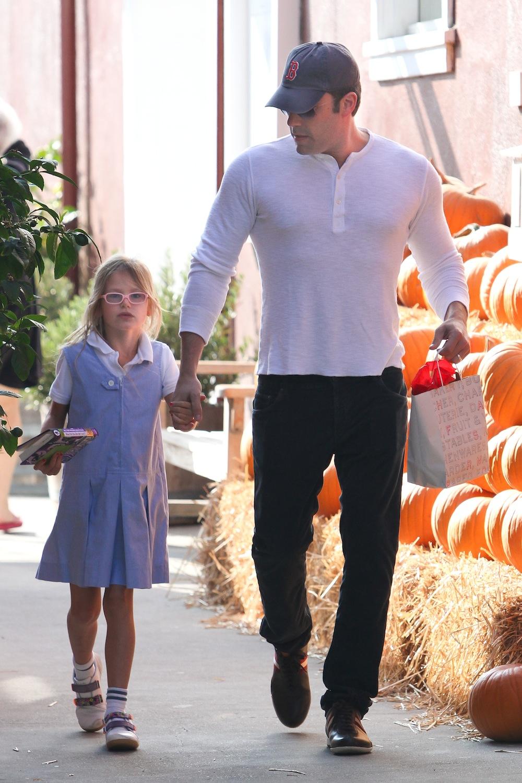 ben-affleck-and-daughter-violet