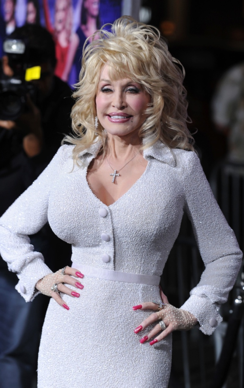 dolly-parton-white-dress
