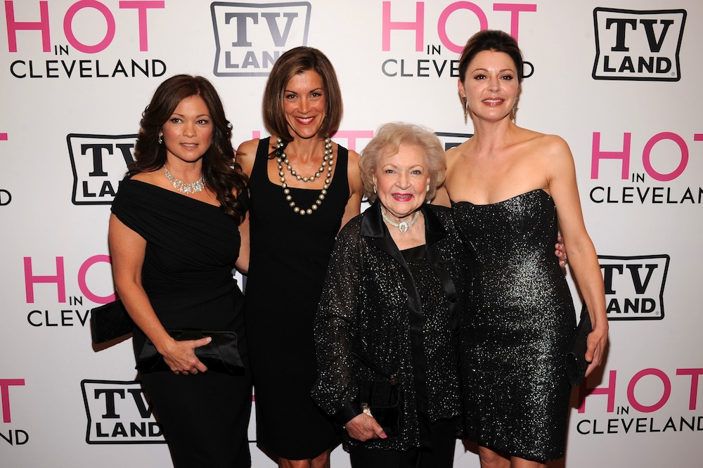 hot-in-cleveland-cast