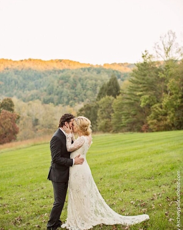 kelly clarkson wedding