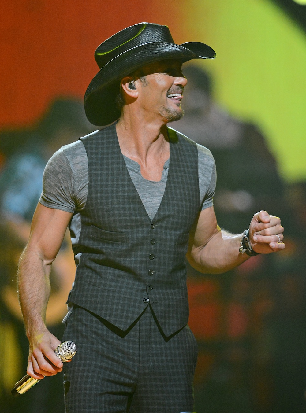 Tim McGraw s Plan To Salute The Troops - Closer Weekly e0d2ab927
