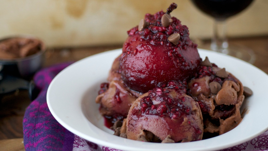 poached-pears-with-raspberry-sauce-2
