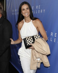 demi-moore-gallery-opening