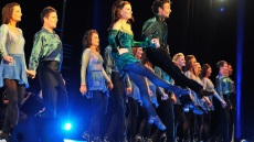 irish-dancers-perform