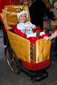 lara-spencer-costume