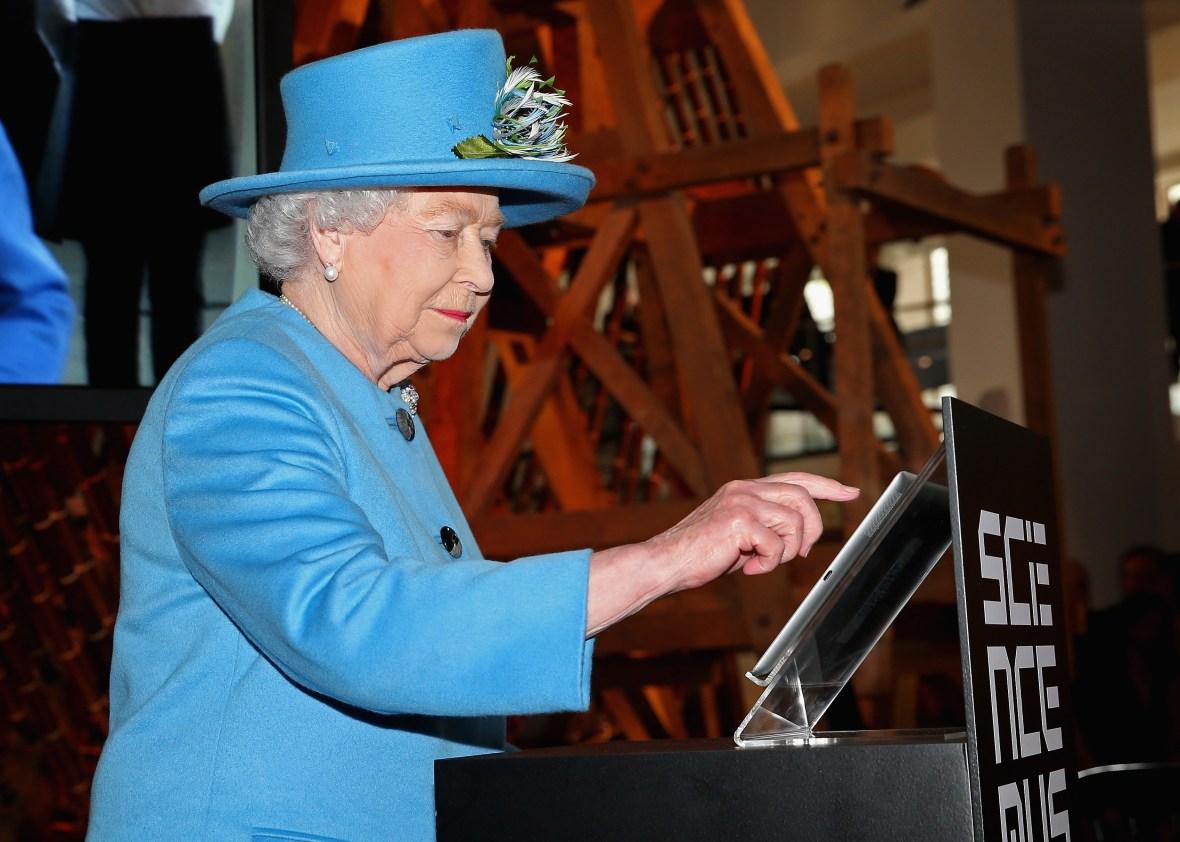 queen elizabeth tweet