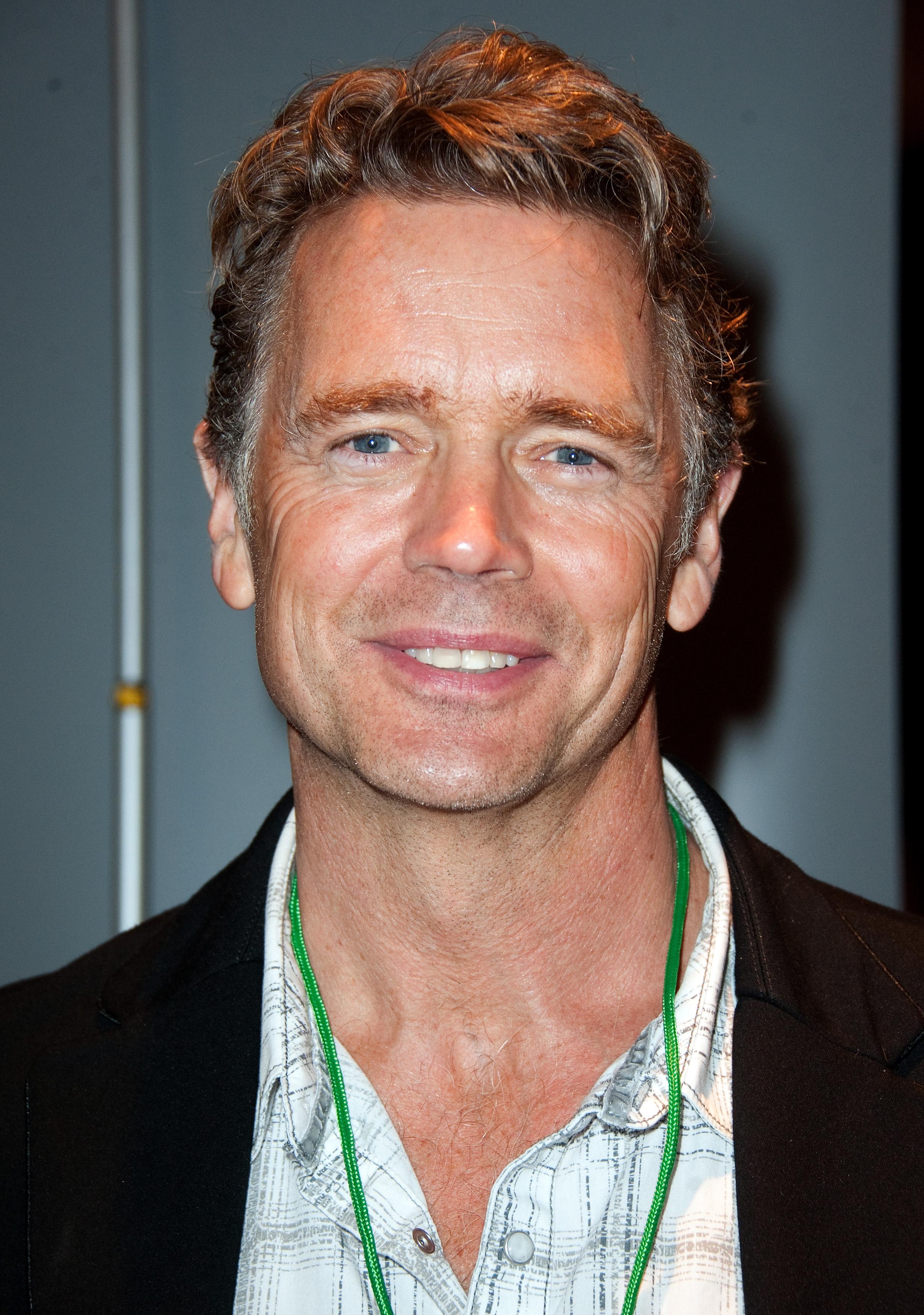 Schneider IN Single Gay Men