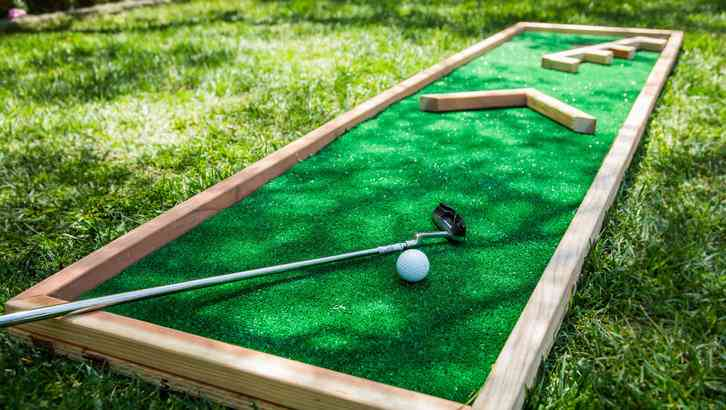 Diy Friday This Homemade Miniature Golf Course Is Perfect