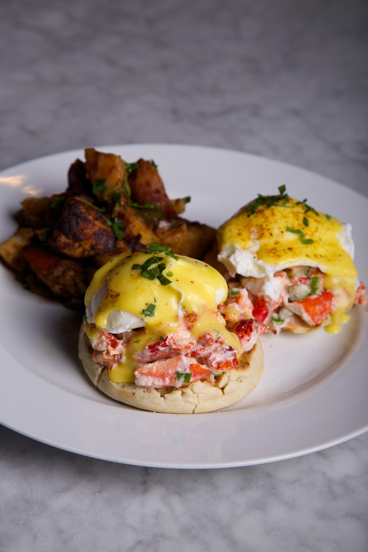 lobster-eggs-benedict