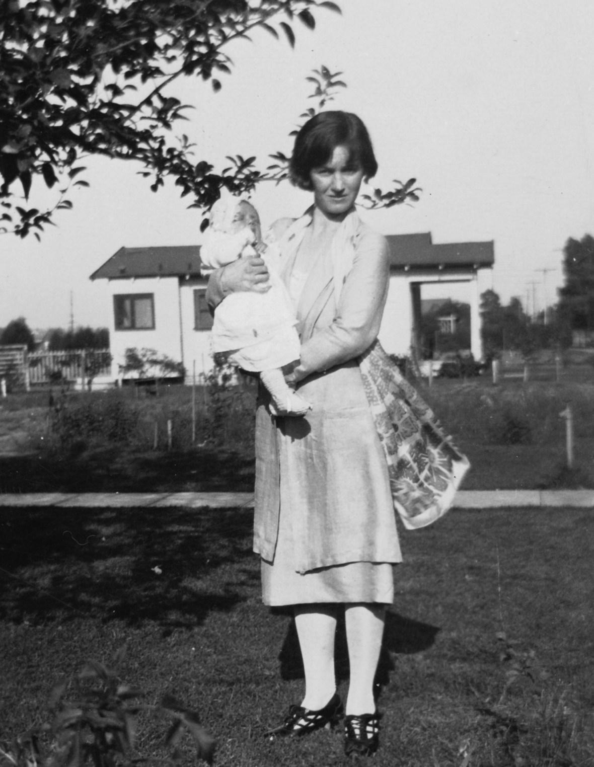 marilyn monroe mother