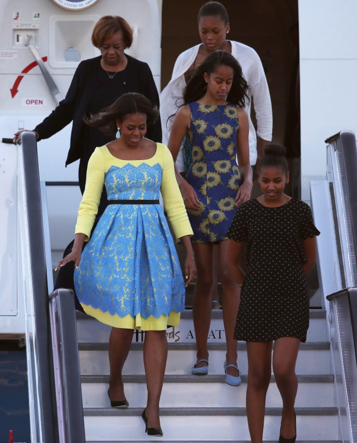 michelle obama with sasha and malia