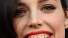 jessica-pare-teeth