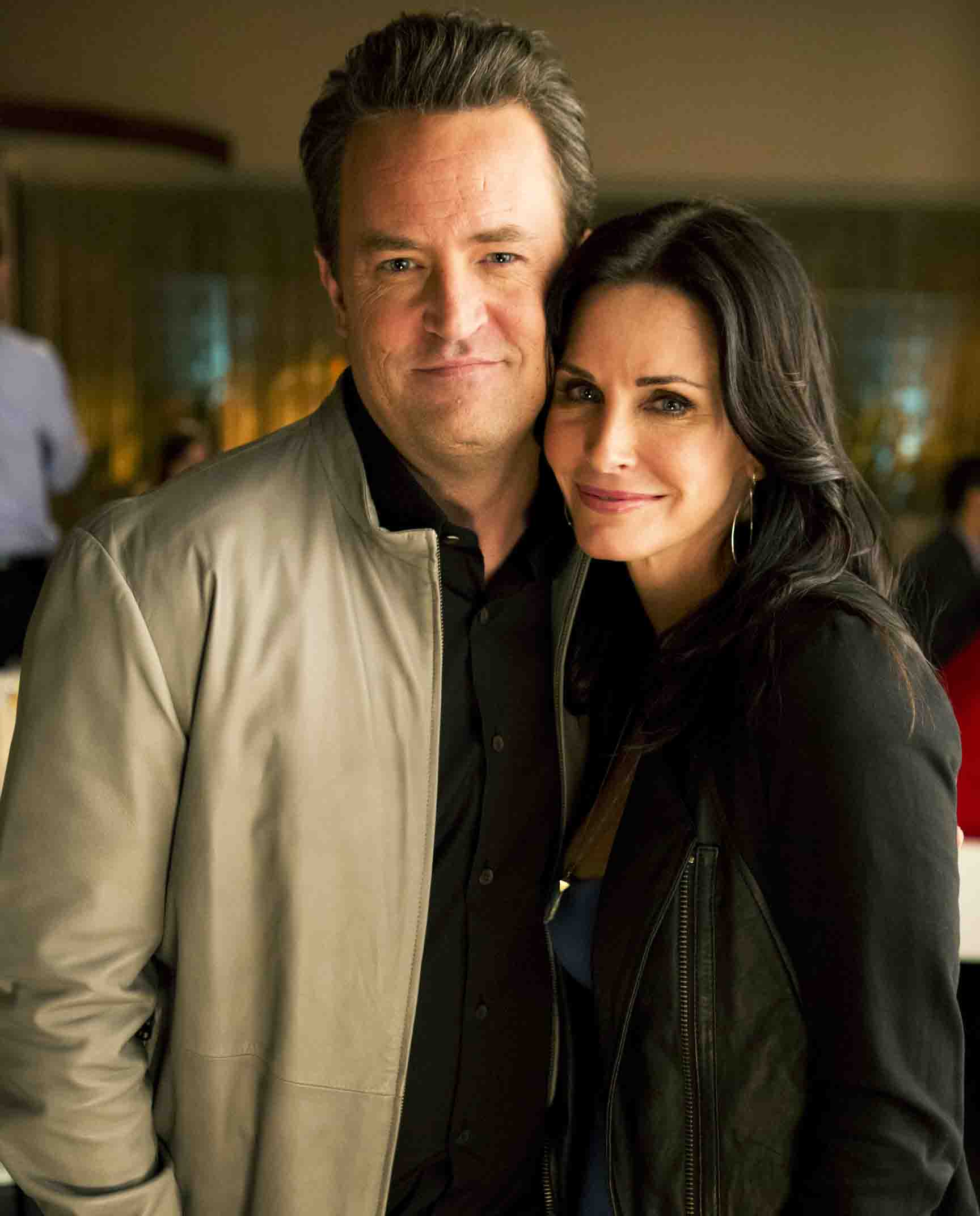 Are 'Friends' Costars Courteney Cox and Matthew Perry ...