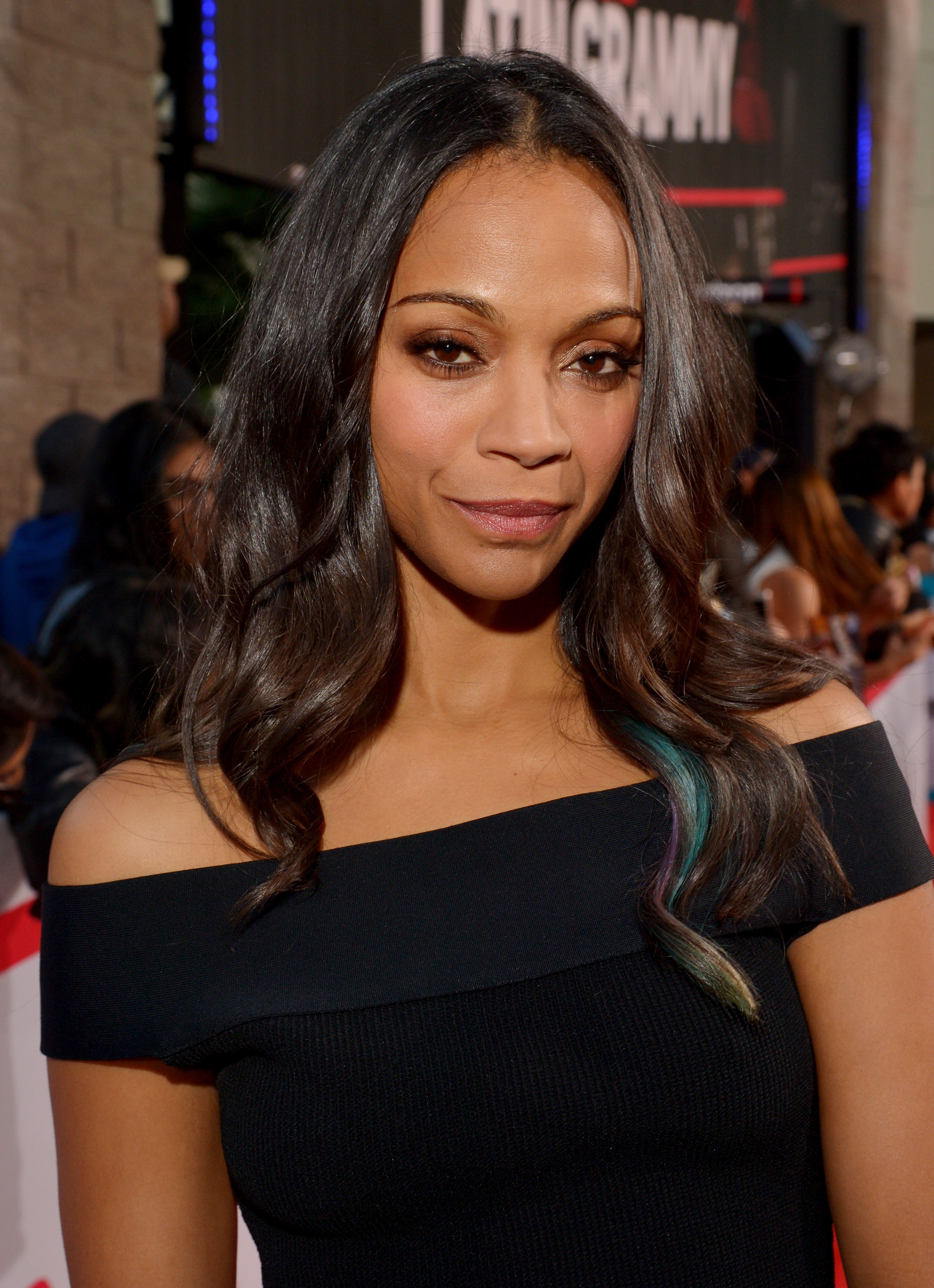 Zoe Saldana Shares an Adorable Festive Photo With Her ...