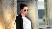 anne-hathaway-pregnant