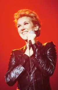 celine-dion-performing-1990