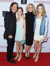 felicity-huffman-daughters