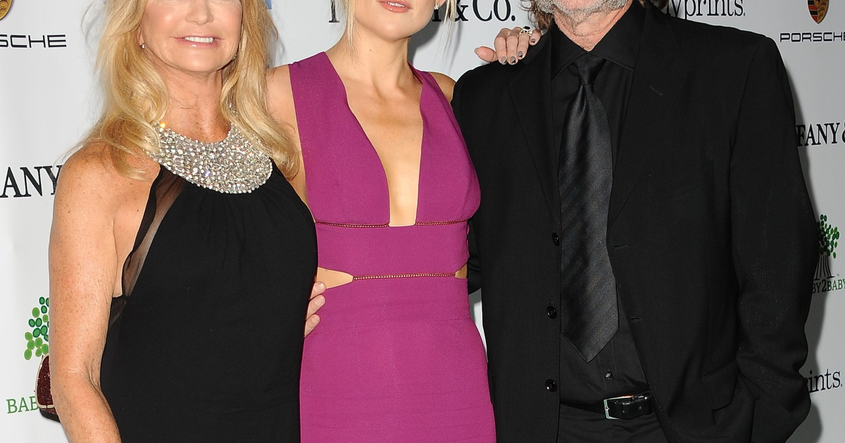 Kate Hudson Gushes About Parents Goldie Hawn and Kurt ...