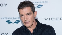 antonio-banderas-hospitalized