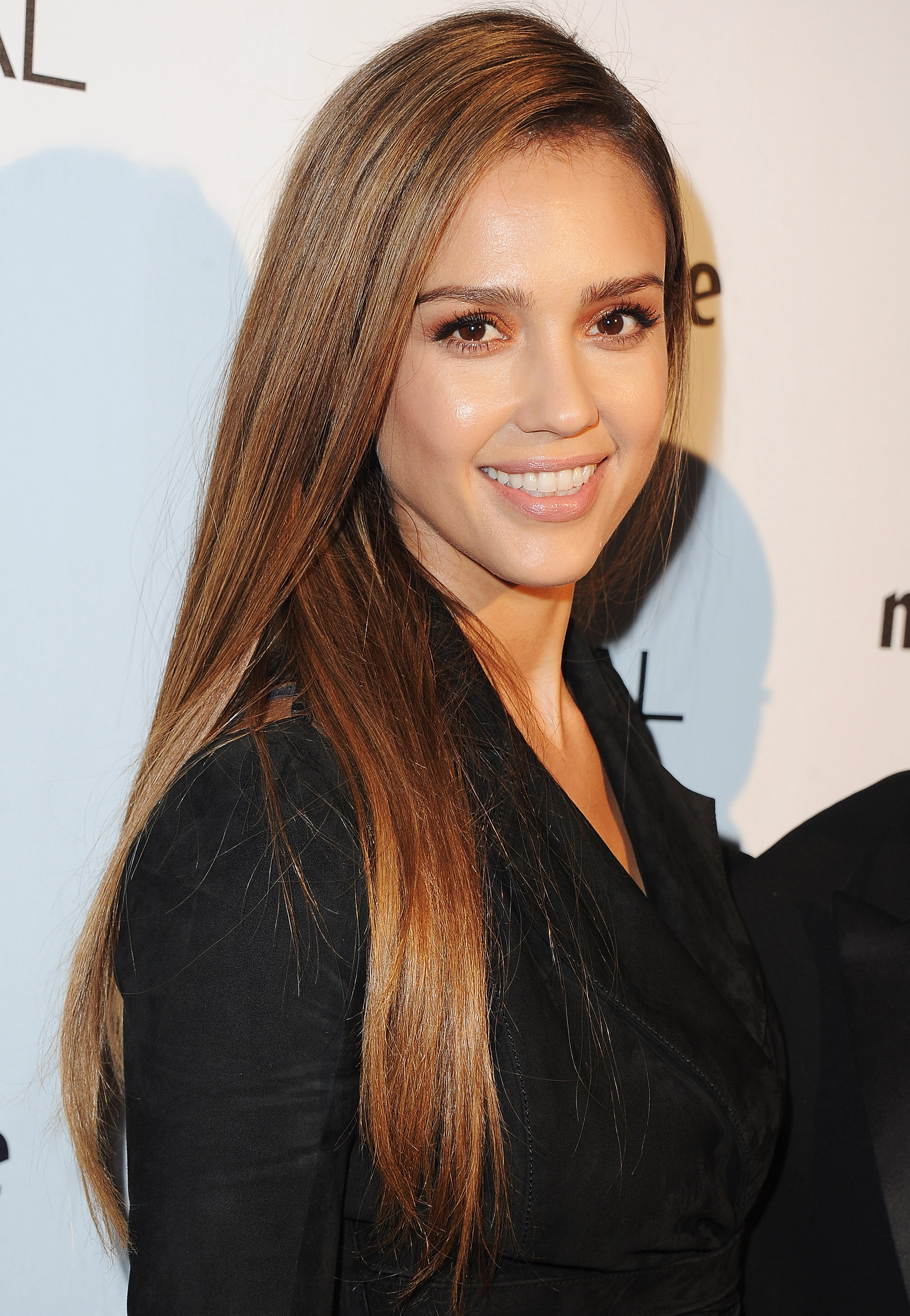 Jessica Alba Meets a Fan With Her Face Tattooed on His Arm