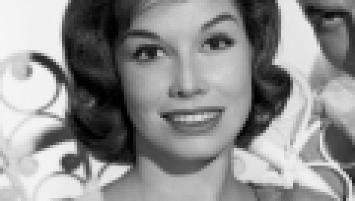 mary-tyler-moore-oct-1962