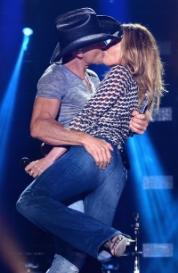 faith-hill-tim-mcgraw-june-2014