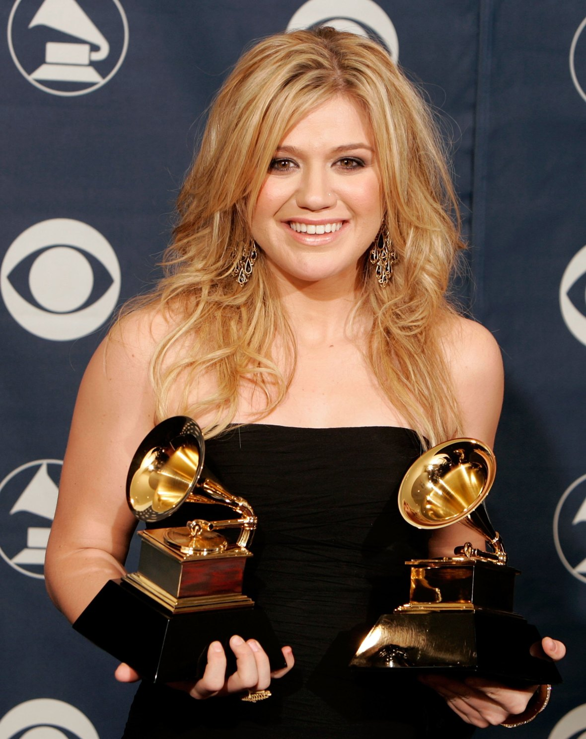kelly clarkson grammys getty images