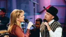 trisha-yearwood-garth-brooks