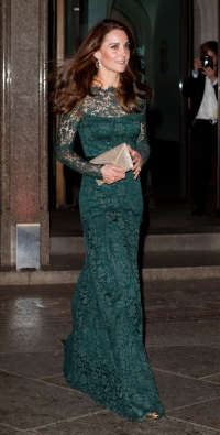 kate-middleton-green-lace-dress-1
