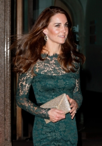kate-middleton-green-lace-dress-2