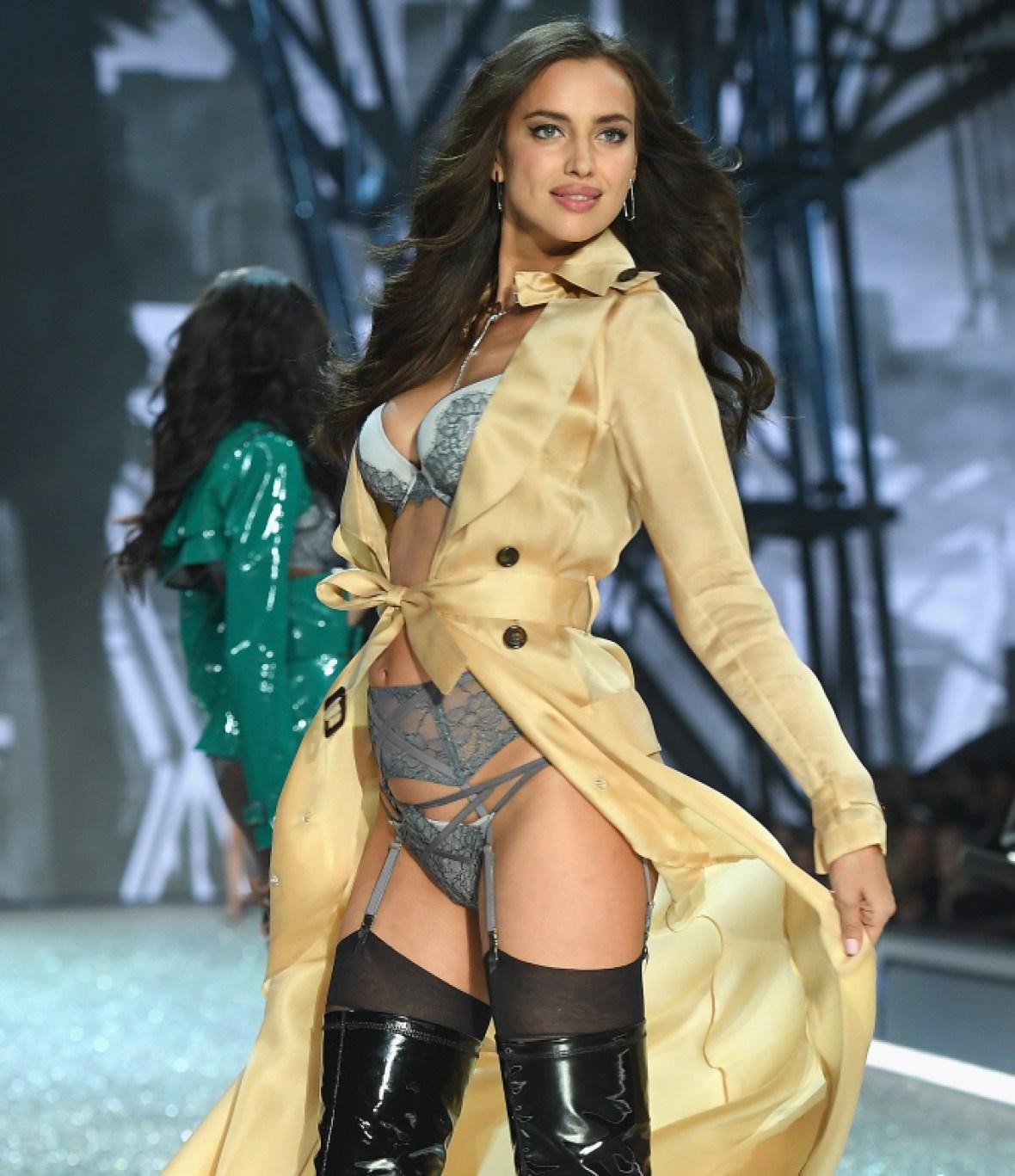 irina shayk vs fashion show