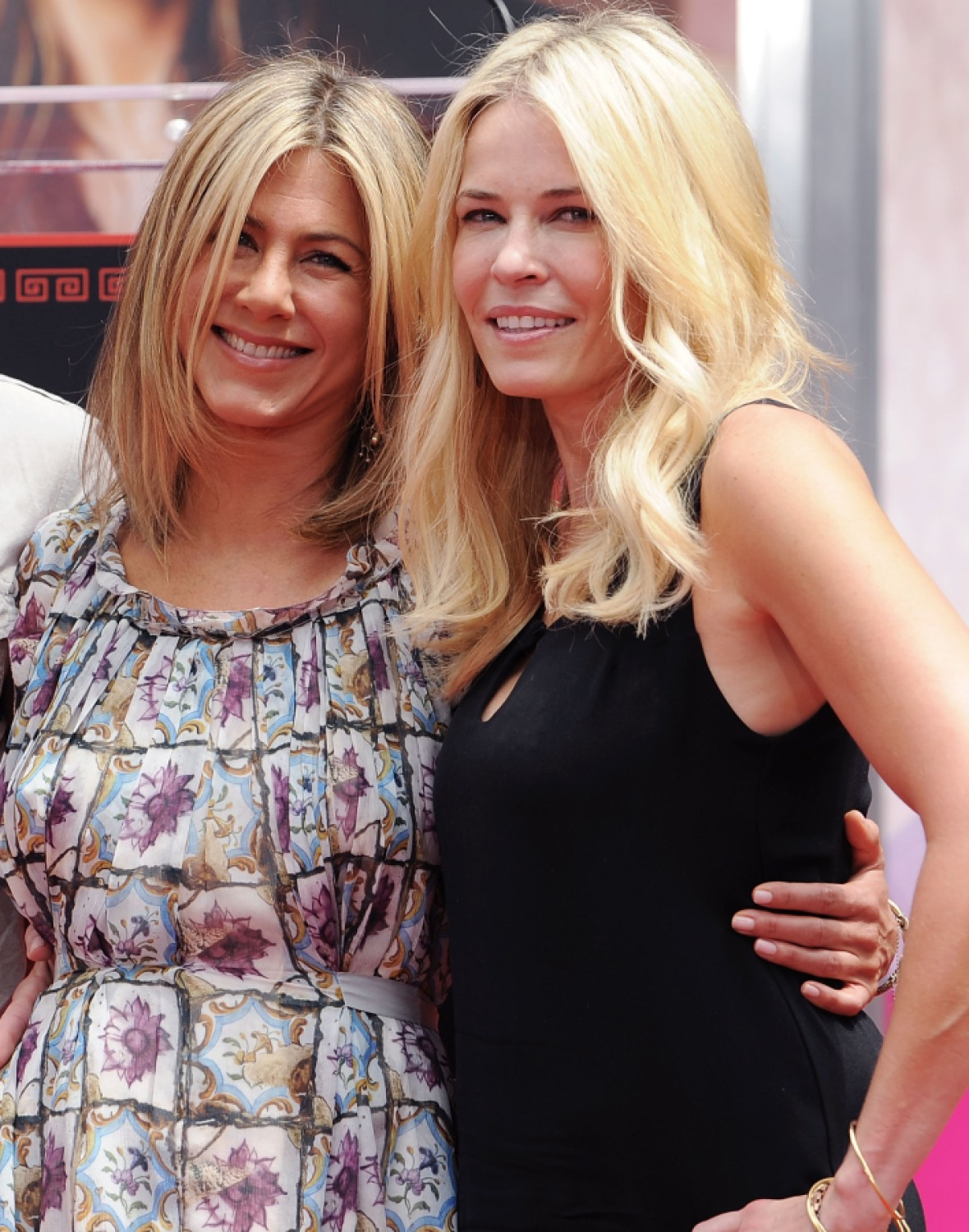 jennifer aniston chelsea handler getty images