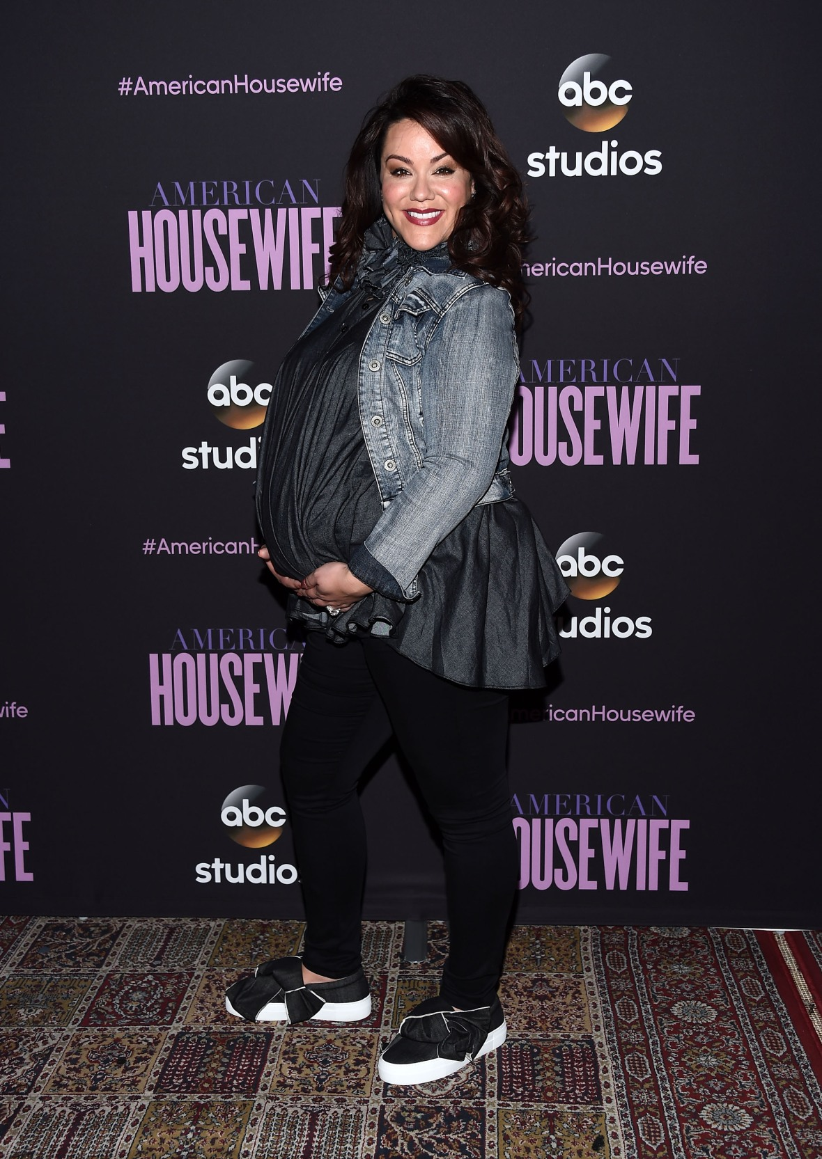 katy mixon pregnant getty images