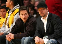 mark-wahlberg-donnie-wahlberg