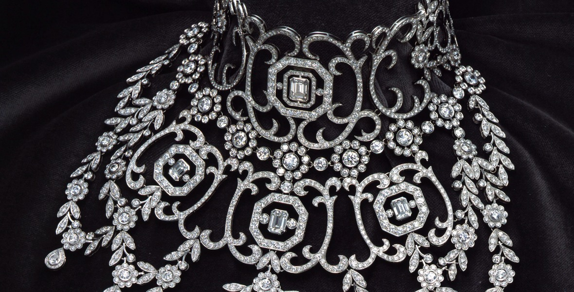 'moulin rouge' necklace getty images