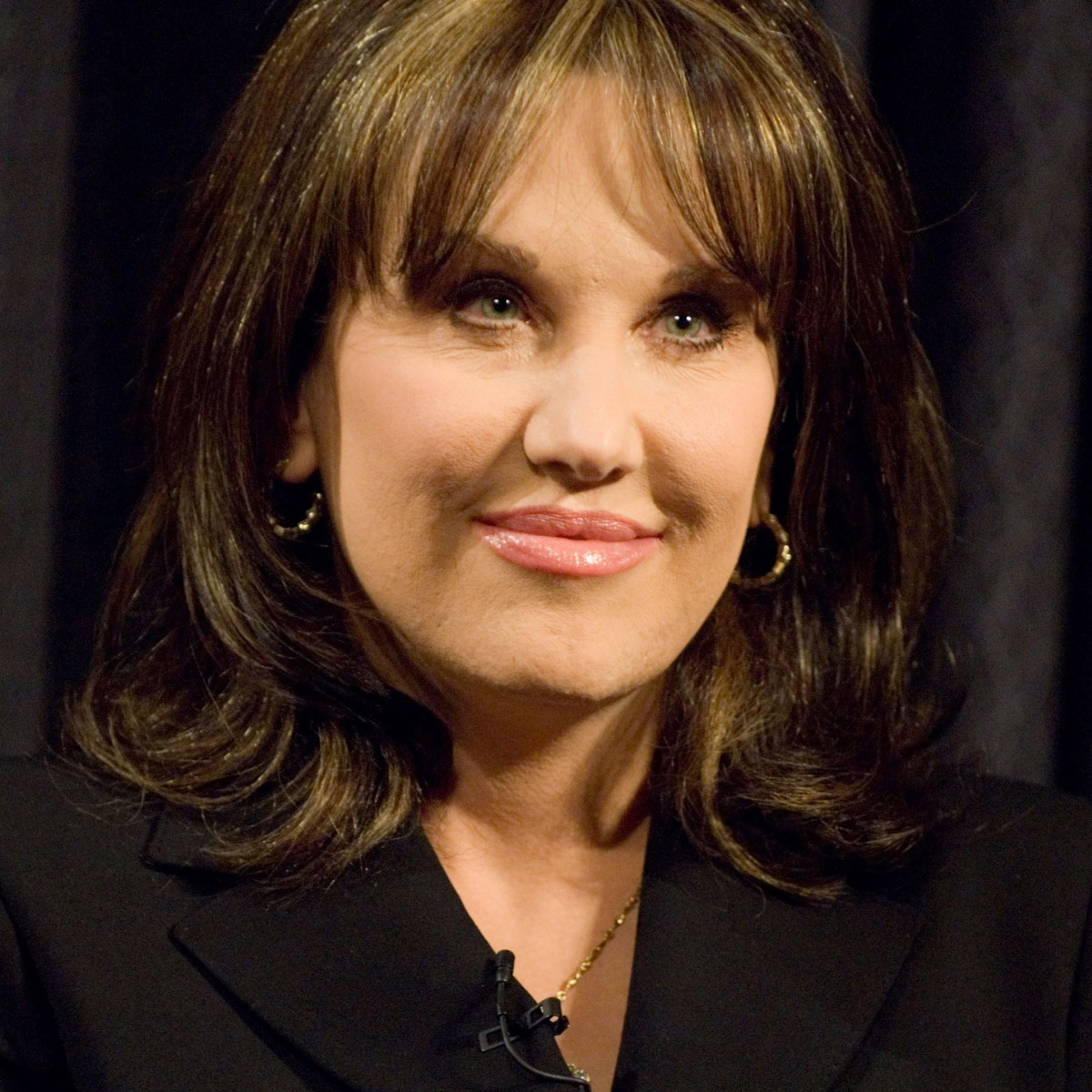 Has Robin McGraw Gotten Plastic Surgery?
