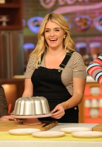 daphne-oz-the-chew