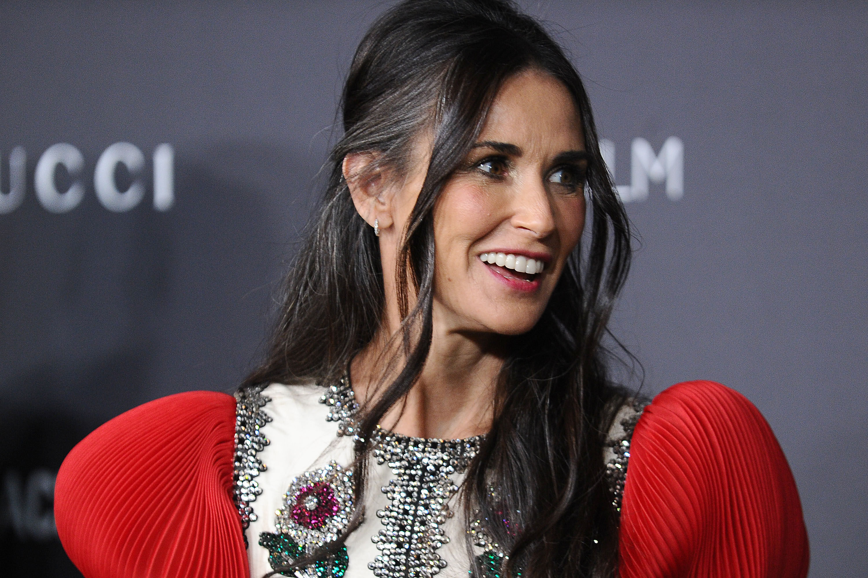 Demi Moore Confirms She Is Missing Her Two Front Teeth ...