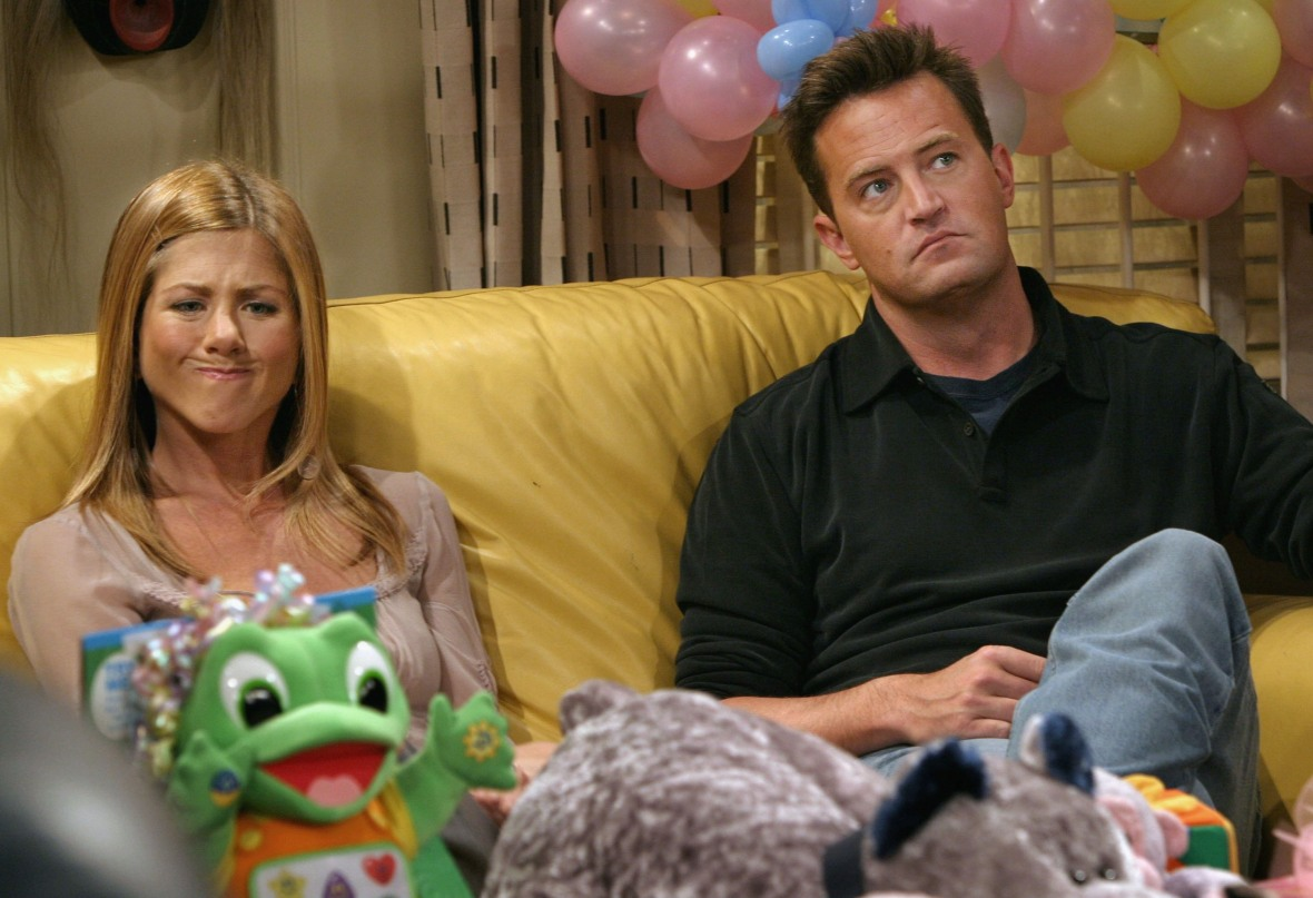 matthew perry jennifer aniston 'friends' getty images