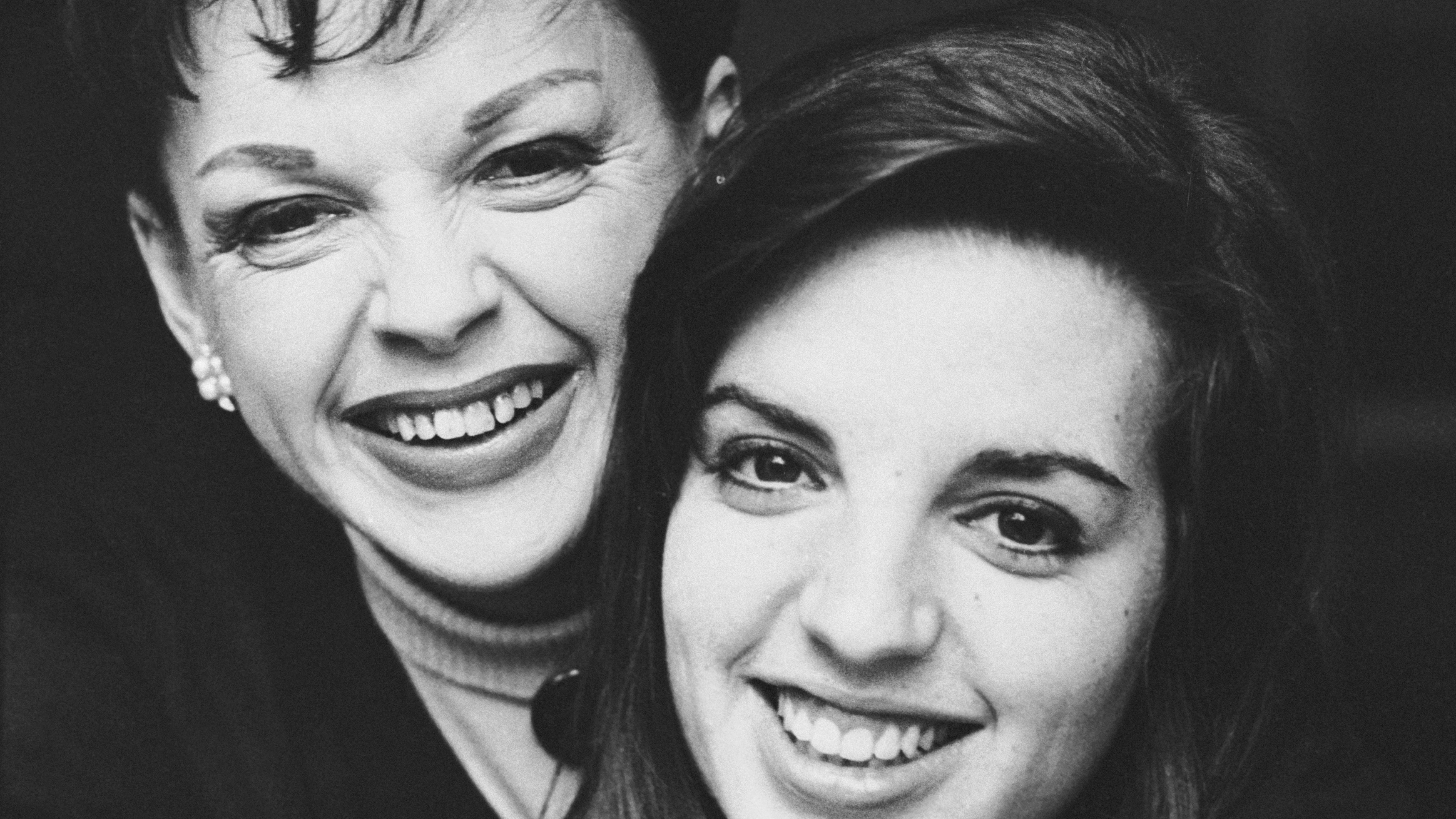 """EXCLUSIVELiza Minnelli Gushes Life With Mom Judy Garland Was Like Living in  a """"Land of Dreams"""" 7f2c2136c"""