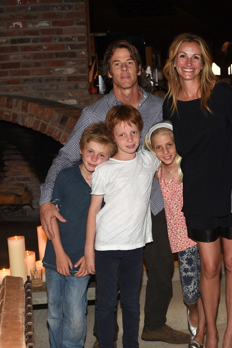 Julia Roberts Dishes On Her Family S Cute Christmas Traditions
