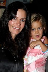 courteney-cox-daughter-2008-09