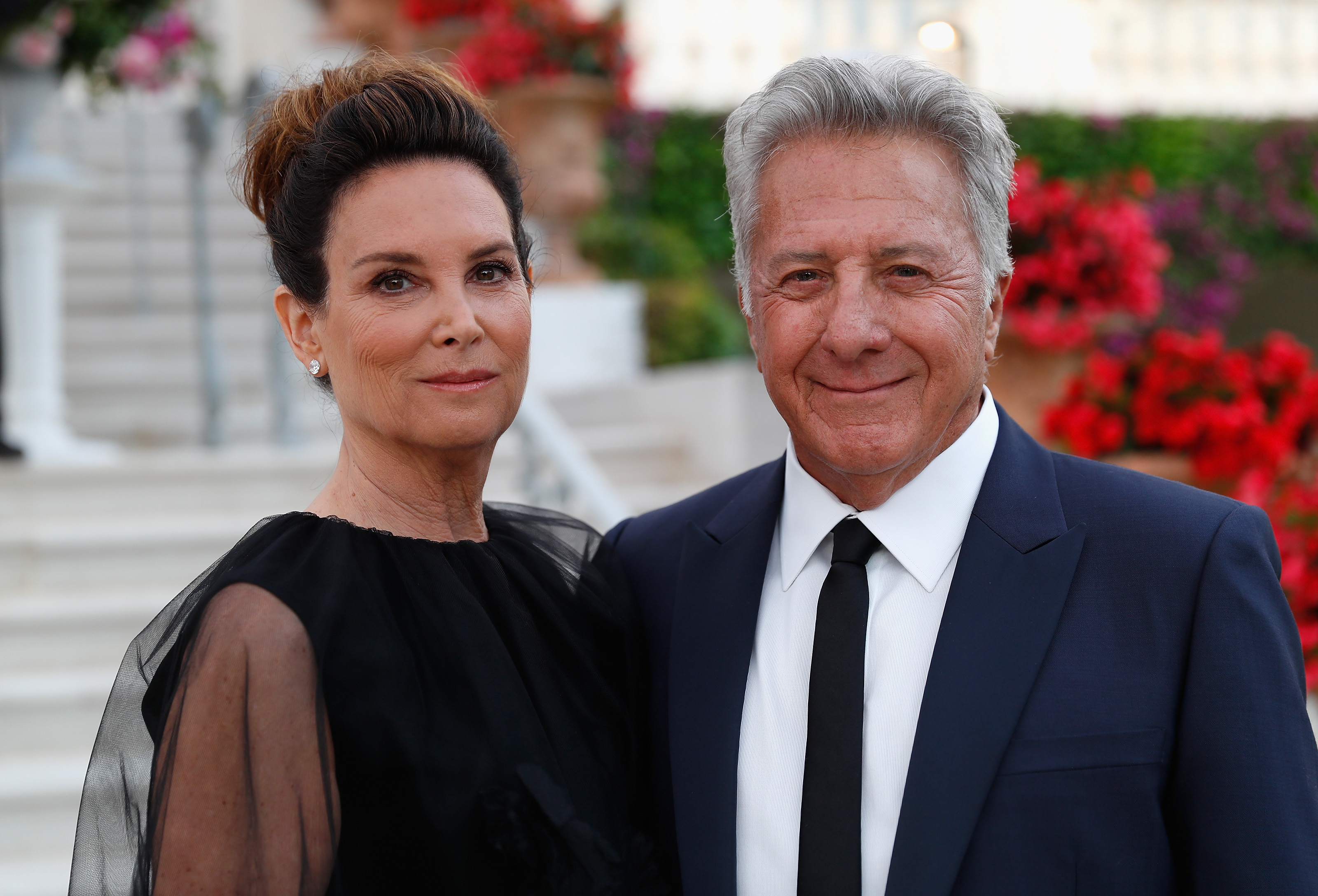Dustin Hoffman S Wife Lisa Dishes On The Secret To Their 37 Year Marriage