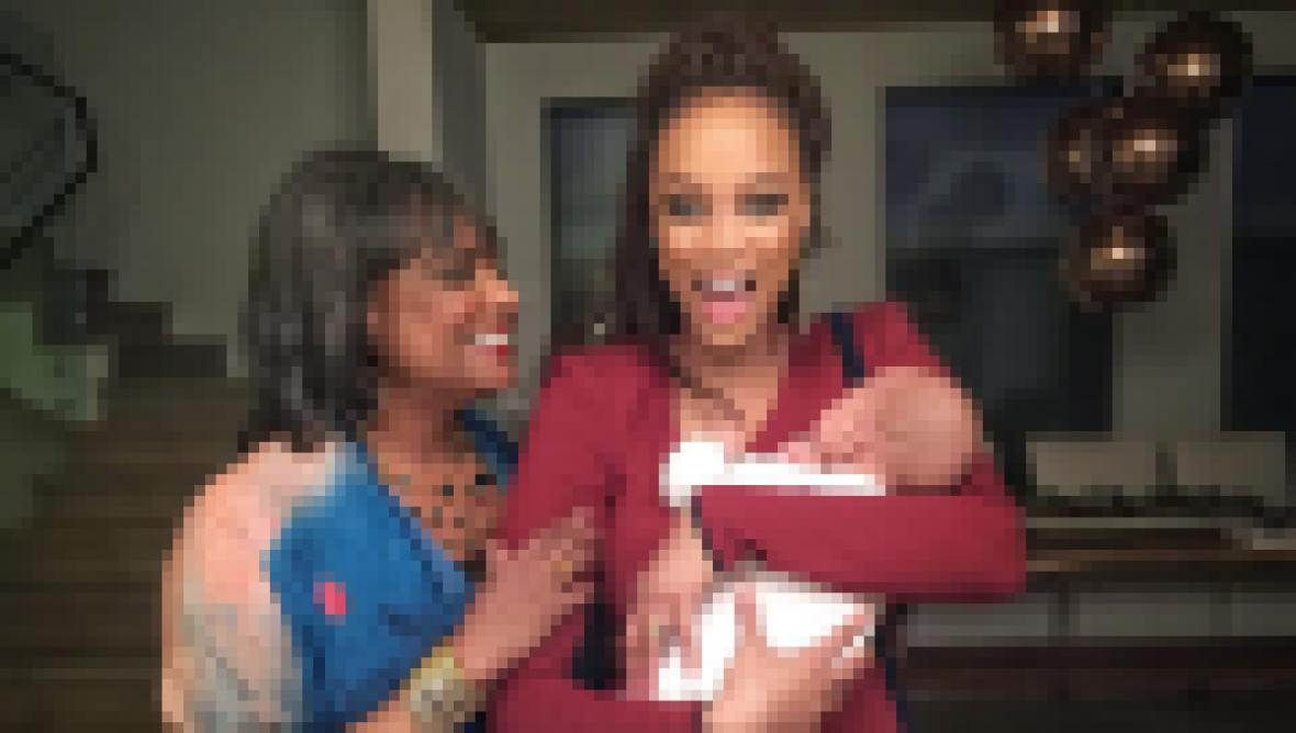 Tyra Banks with baby York and her mom