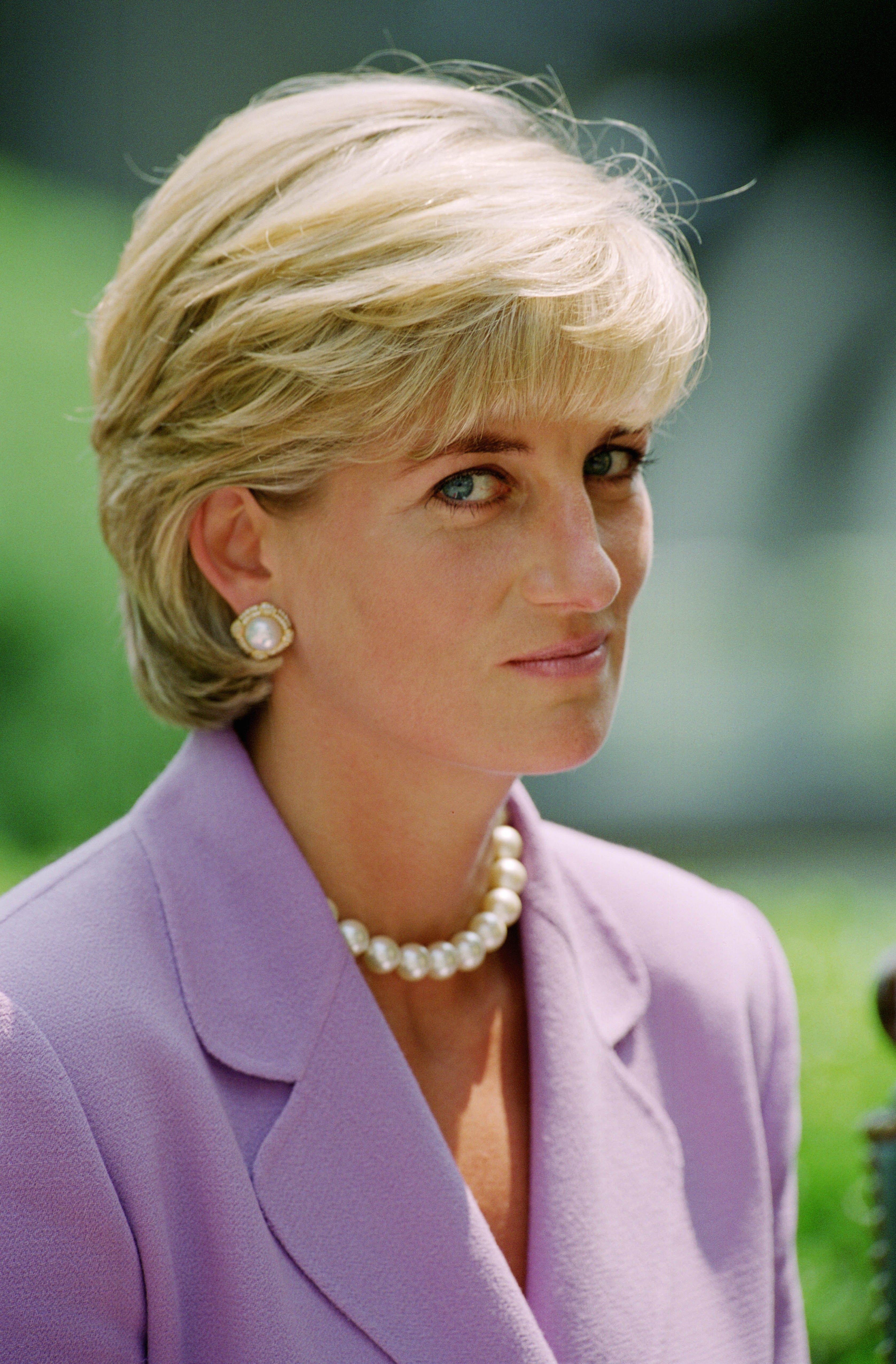 Princess Diana S True Love Was Heart Surgeon Hasnat Khan Inside Their Relationship