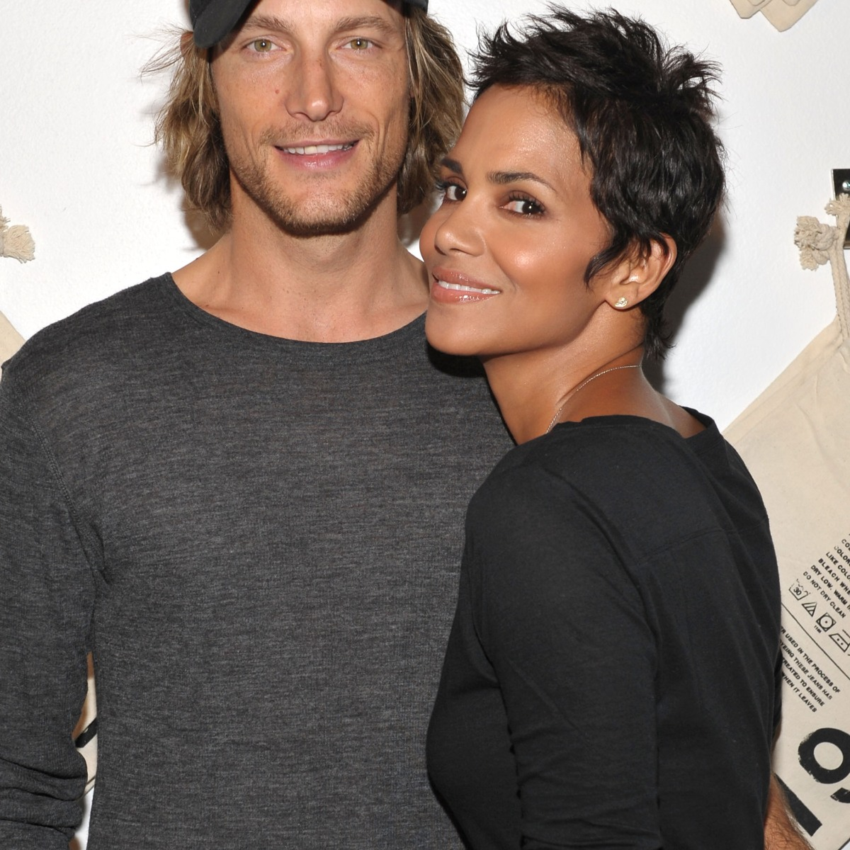 Halle berry dating billy bob thornton