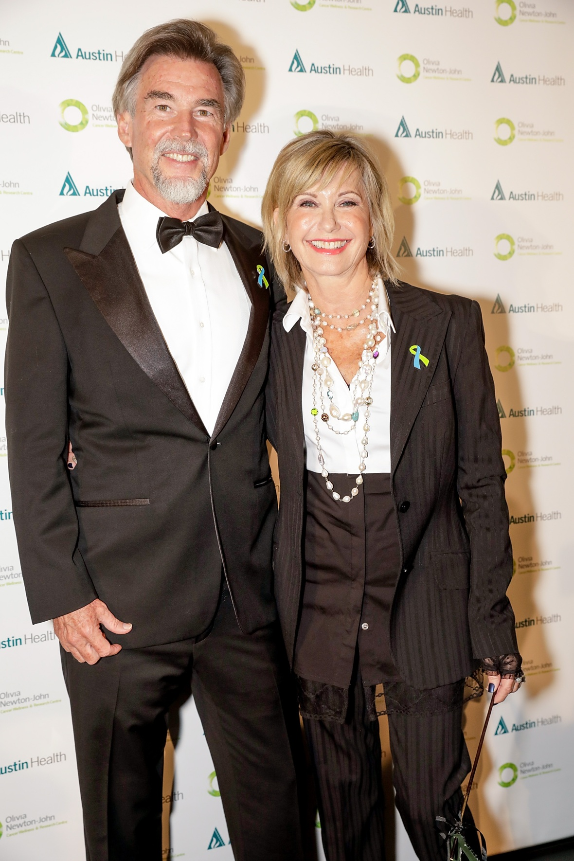 olivia newton-john and john easterling getty images