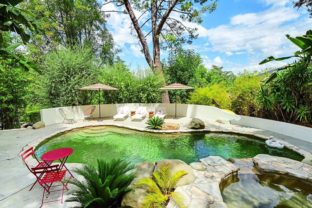 ellen pompeo backyard in-book