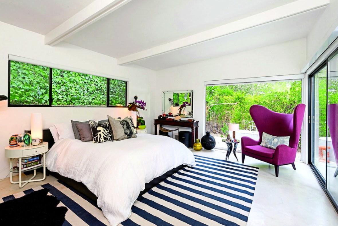 ellen pompeo bedroom in-book