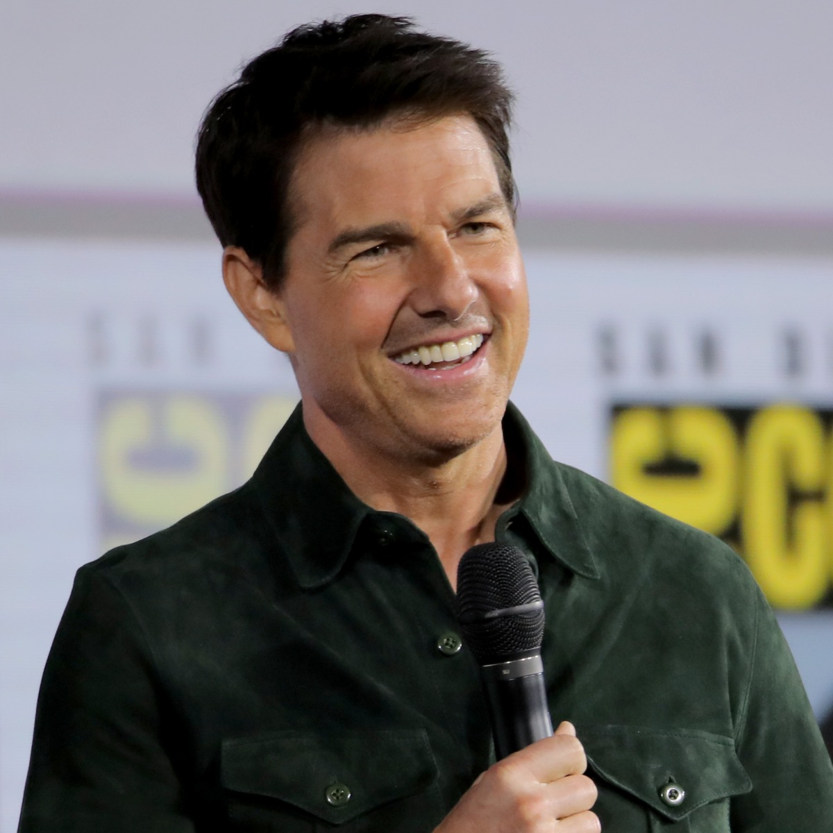 Tom Cruise Has One of Hollywood's Most Famous Smiles! See the Story Behind The Actor's 'Middle Tooth'